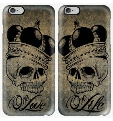 Couple case skull